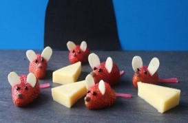 fruit strawberry mice